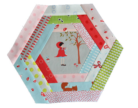 The Sewing Chick | A Tutorial – Log Cabin Hexagon Block