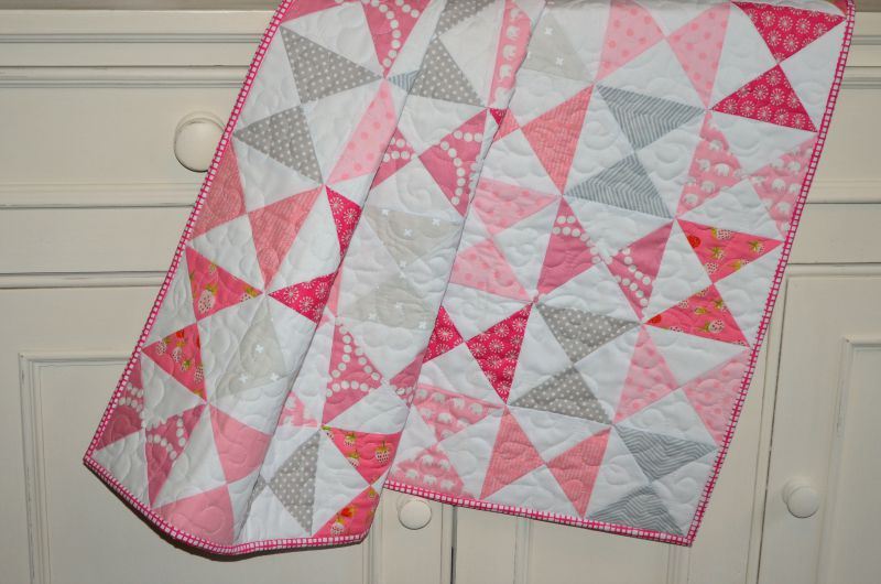 Quilting Thread Patterns : The Sewing Chick Hourglass Baby Quilt